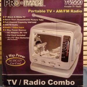 "5"" inch Black& White portable Tv AM/FM Radio"